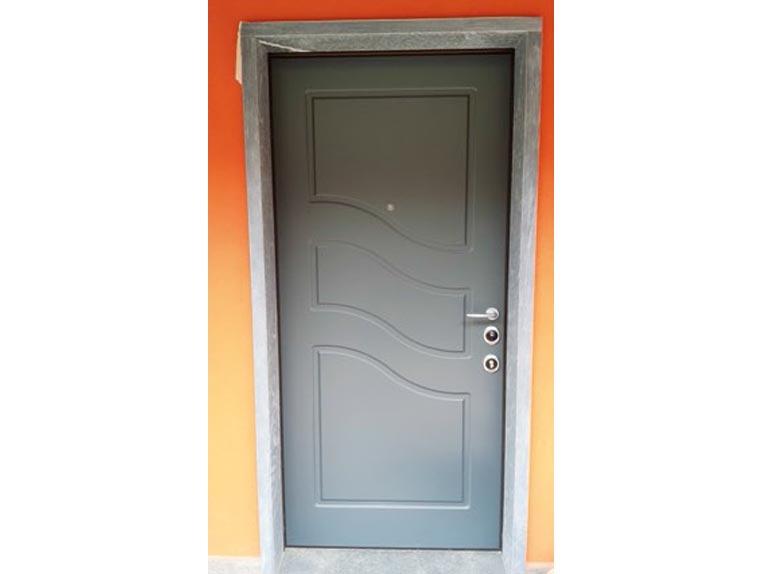 Porte In Legno Massello : Bugada serramenti porte portoncini oscuranti in legno e alluminio